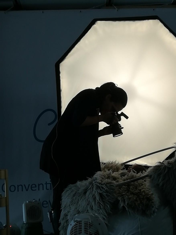 Ana Brant sul palco per una dimostrazione dal vivo